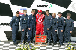 Scott Dixon and military personnel