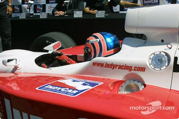 Tony Kanaan in the IRL car
