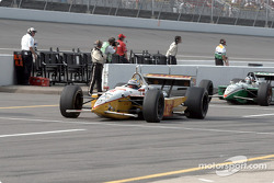 Kenny Brack and Dario Franchitti leaving the pitlane