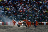 Formula 1 Foto - Nigek Mansell, Williams in the gravel