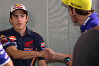 MotoGP Fotos - Marc Marquez, Repsol Honda Team and Valentino Rossi, Movistar Yamaha MotoGP