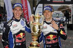 Winners Sébastien Ogier, Julien Ingrassia, Volkswagen Polo WRC, Volkswagen Motorsport with the trophy