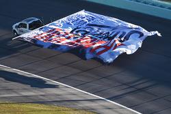 Ehrenrunde für Tony Stewart vor seinem letzten NASCAR-Rennen