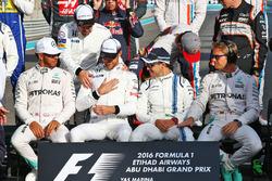 Lewis Hamilton, Mercedes AMG F1; Fernando Alonso, McLaren; Jenson Button, McLaren; Felipe Massa, Williams; and Nico Rosberg, Mercedes AMG F1 beim Gruppenfoto