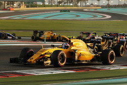 Jolyon Palmer, Renault Sport F1 Team RS16 at the start of the race