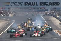 F1 写真 - Nigel Mansell, Ferrari 641 leads Gerhard Berger, McLaren MP4/5B Honda, Ayrton Senna, McLaren MP4/5B Honda, Alessandro Nannini, Benetton B190 Ford, Alain Prost, Ferrari 641, Riccardo Patrese, Williams FW13B Renault and Ivan Capelli, Leyton House CG901 Judd