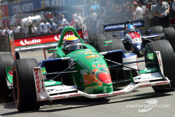 Roberto Moreno beats Ryan Hunter-Reay out of the blocks