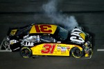 Crash on the last lap, exiting turn 4: Jeff Burton, Richard Childress Racing Chevrolet