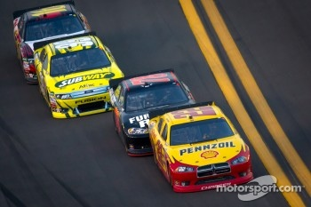 Kurt Busch, Penske Racing Dodge, Regan Smith, Furniture Row Racing Chevrolet, Carl Edwards, Roush Fenway Racing Ford, Greg Biffle, Roush Fenway Racing Ford