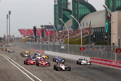 Start: Will Power, Team Penske leads the field