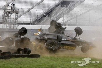 Tony Kanaan, KV Racing Technology-Lotus crashes