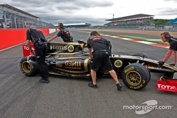 Romain Grosjean demonstrating the Lotus Renault F1 car
