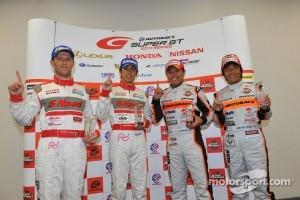 GT500 pole winners Ronnie Quintarelli, Masataka Yanagida and GT300 pole winners Kosuke Matsuura, Shinichi Takagi