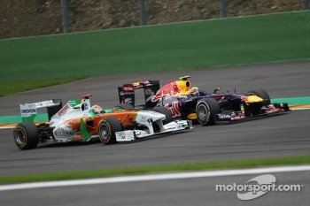 Adrian Sutil, Force India F1 Team and Mark Webber, Red Bull Racing