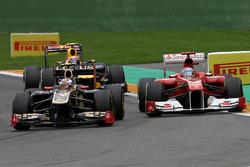 Vitaly Petrov, Lotus Renalut F1 Team and Felipe Massa, Scuderia Ferrari