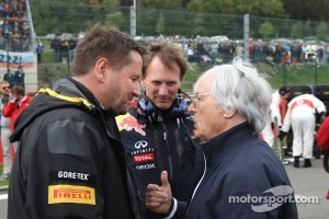 Paul Hembery with Bernie Ecclestone and Christian Horner, Red Bull Racing, Sporting Director