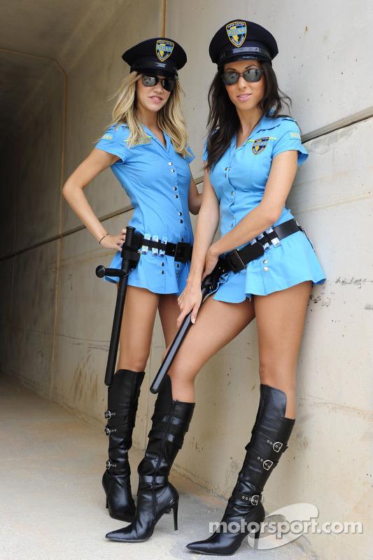 The lovely Rizla Suzuki girls at Aragon GP