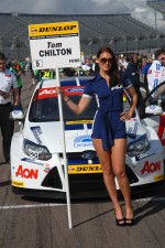 Team Aon grid girl to Tom Chilton