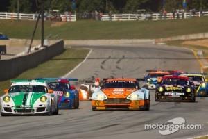 Start: #54 Black Swan Racing Porsche 911 GT3 Cup: Tim Pappas, Jeroen Bleekemolen, Sebastiaan Bleekemolen