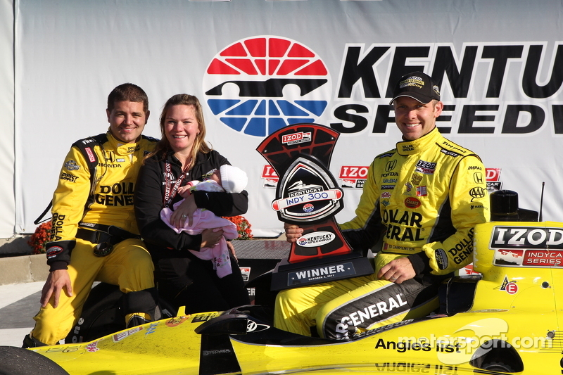 Podium: winner Ed Carpenter, Sarah Fisher Racing