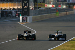 Bruno Senna, Renault F1 Team and Pastor Maldonado, Williams F1 Team
