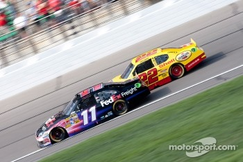 Denny Hamlin, Joe Gibbs Racing Toyota and Kurt Busch, Penske Racing Dodge