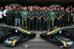 Heikki Kovalainen, Team Lotus and Jarno Trulli, Team Lotus team photo