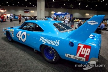 Plymouth Road Runner Superbird NASCAR car