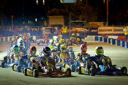 Pace lap: Bas Lammers and Danny Formal lead the field