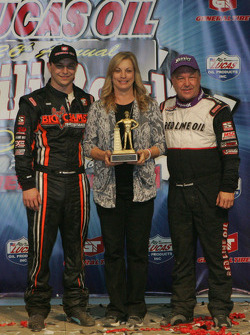 The Swindell family celebrates in Victory Lane