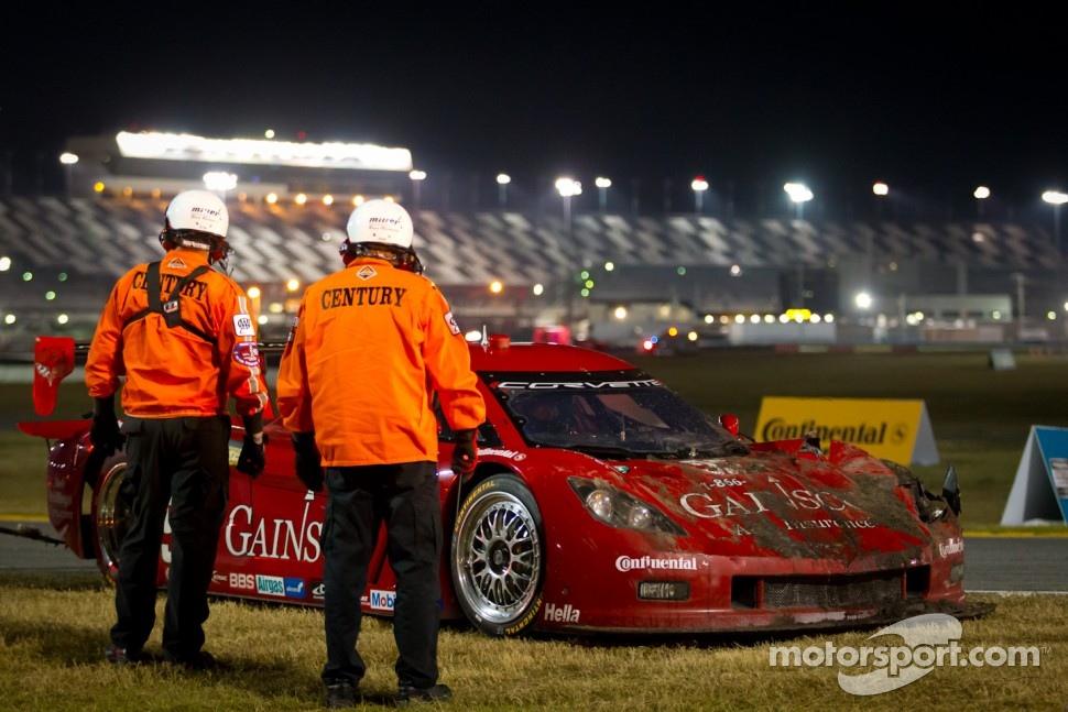#99 GAINSCO/Bob Stallings Racing Corvette DP: Jon Fogarty, Memo Gidley, Alex Gurney in the tire wall