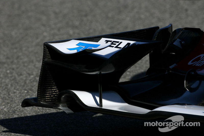 Technical detail, front wing - Sauber C31 Ferrari Launch