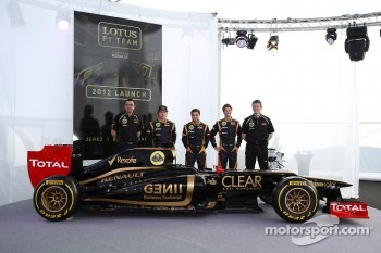 Eric Boullier, Team Principal, Lotus Renault F1 Team with Kimi Raikkonen, Lotus Renault F1 Team and Jérôme d'Ambrosio,  Lotus Renault F1 Team