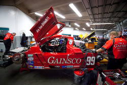 GAINSCO/Bob Stallings Racing team members at work