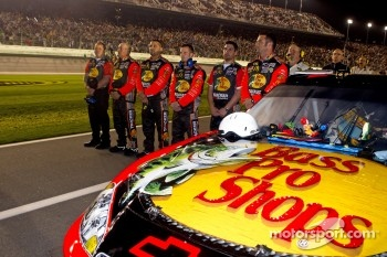 Crew members for Jamie McMurray, Earnhardt Ganassi Racing Chevrolet during National Anthem