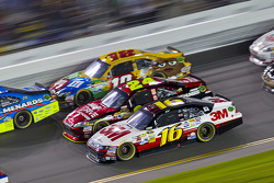 Greg Biffle, Roush Fenway Racing Ford, Jeff Gordon, Hendrick Motorsports Chevrolet, Kyle Busch, Joe Gibbs Racing Toyota