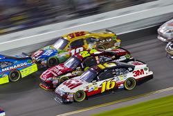 Greg Biffle, Roush Fenway Racing Ford, Jeff Gordon, Hendrick Motorsports Chevrolet, Kyle Busch, Joe Gibbs Racing Toyota