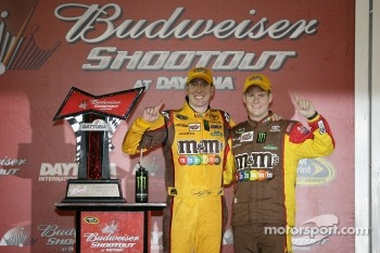 Victory lane: race winner Kyle Busch, Joe Gibbs Racing Toyota celebrates with crew chief Dave Rogers