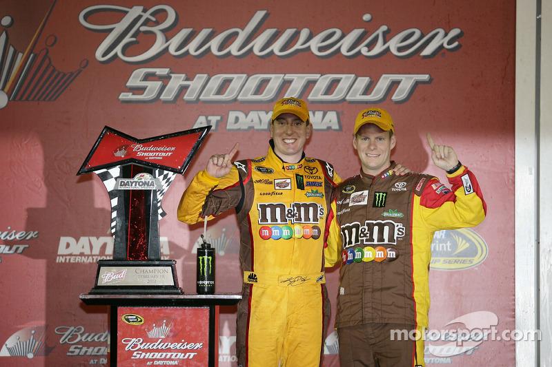 Victory lane: race winner Kyle Busch, Joe Gibbs Racing Toyota celebrates with crew chief Dave Rogers