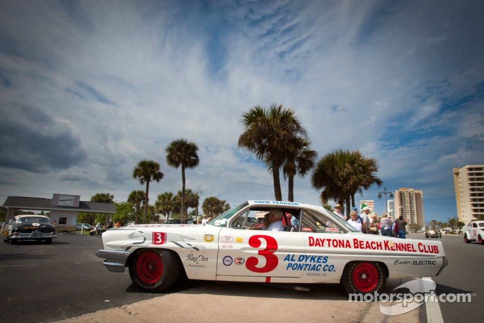 Living legends of auto racing street parade