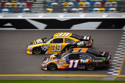 Ryan Newman, Stewart-Haas Racing Chevrolet and Denny Hamlin, Joe Gibbs Racing Toyota