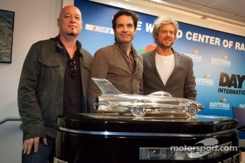 Press conference: National Anthem singer Pat Monahan and his band Train