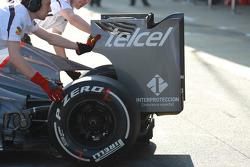 Sergio Perez, Sauber F1 Team rear wing end plate