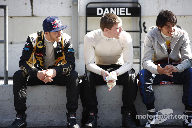Daniel Abt, Lotus GP with Conor Daly, Lotus GP and Carlos Sainz Jr, Lotus GP