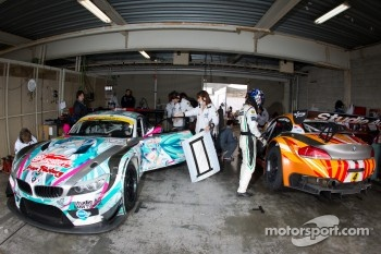 #0 GSR&Studie with Team Ukyo BMW Z4 GT3: Nobuteru Taniguchi, Tatsuya Kataoka and #4 GSR&Studie with Team Ukyo BMW Z4 GT3: Taku Banba, Masahiro Sasaki
