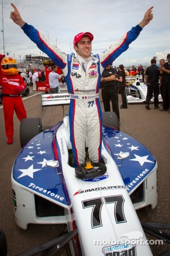 Race winner Tristan Vautier, Sam Schmidt Motorsports celebrates