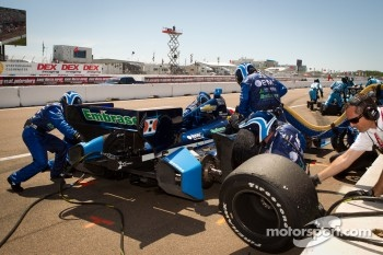 Pit stop for Rubens Barrichello, KV Racing Technology Chevrolet
