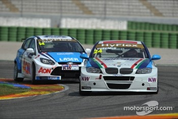 James Nash, Ford Focus S2000 TC, Team Aon and Isaac Tutumlu, BMW 320 TC, Proteam Racing