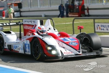 #1 Greaves Motorsport Zytek Z11SN - Nissan: Alex Brundle, Lucas Ordonez, Tom Kimber-Smith in the pits after a crash