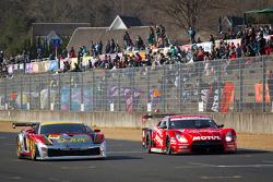 #85 JLOC Lamborghini Gallardo RG-3: Sakamoto Yuya, Msaki Kanou, #23 Nismo Nissan GT-R: Satoshi Motoyama, Michael Krumm